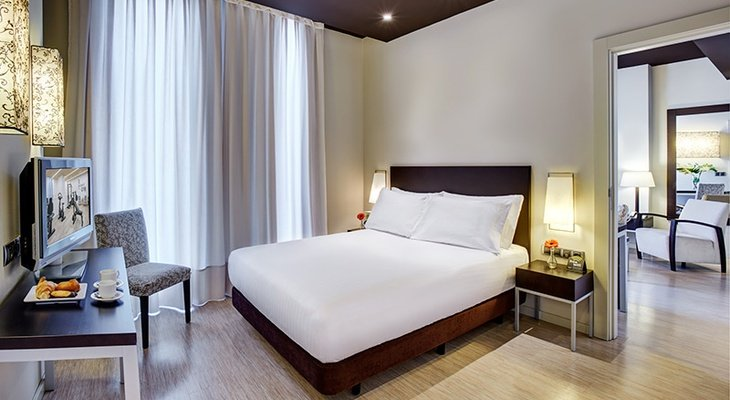 The Sercotel Boulevard Vitoria-Gasteiz Hotel also provides 24 junior suites ...